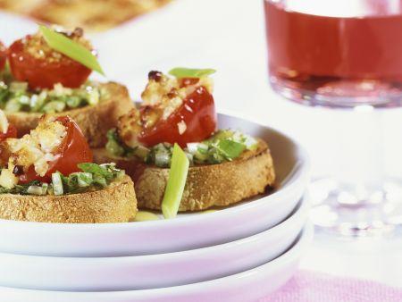 Crostini mit geschmorten Tomaten