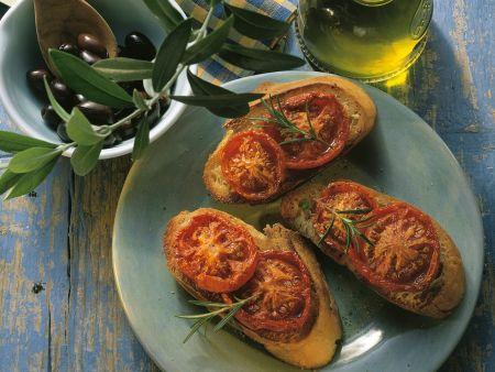 Crostini mit getrockneten Tomaten