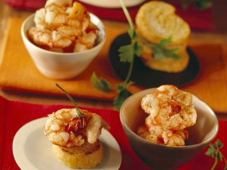 Crostini mit scharfen Shrimps