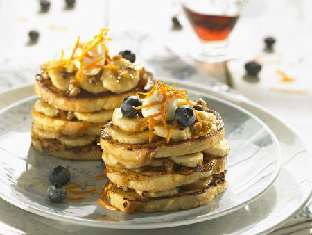 Rezept: Crumpets mit Blaubeeren und Bananen