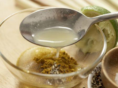 Curry-Forelle im Bananenblatt: Zubereitungsschritt 1