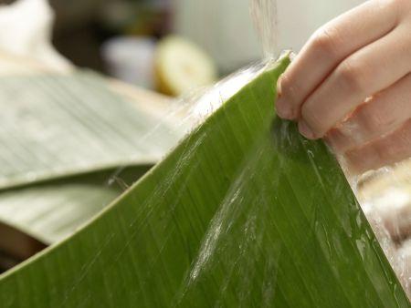 Curry-Forelle im Bananenblatt: Zubereitungsschritt 3