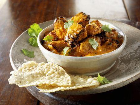 Curry mit Papadam (Indisches Fladenbrot)