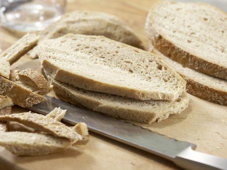 Deftiger Gemüseauflauf mit Brot: Zubereitungsschritt 5