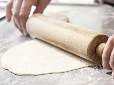 Dinkelpizza mit Antipasti: Zubereitungsschritt 7