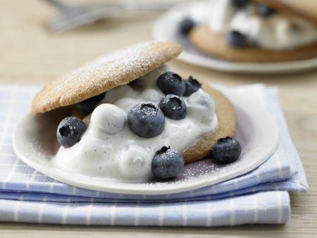 Rezept: Dinkeltaler mit Blaubeeren