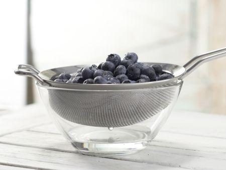 Dinkeltaler mit Blaubeeren: Zubereitungsschritt 7