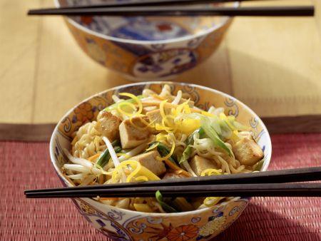 Eiernudeln mit Gemüse-Tofu