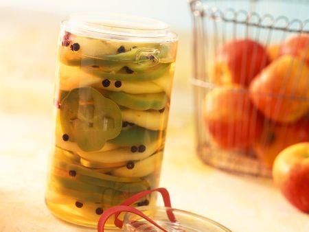 Eingelegter Paprika mit Apfel