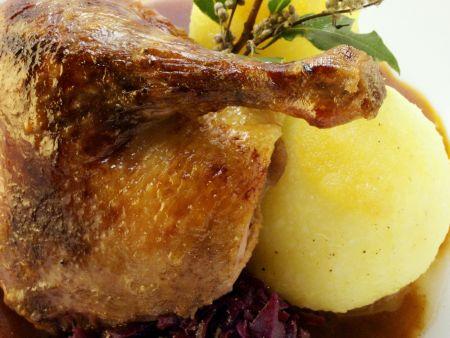 Ente mit Blaukraut und Kartoffelkloß