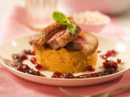 Entenbrust mit Süßkartoffelbrei und Granatapfel