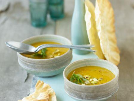 Erbsen-Mango-Suppe mit Sesamöl
