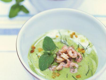 Erbsen-Minze-Suppe mit Crevetten