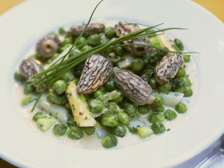 Erbsen-Spargel-Gemüse mit Morcheln