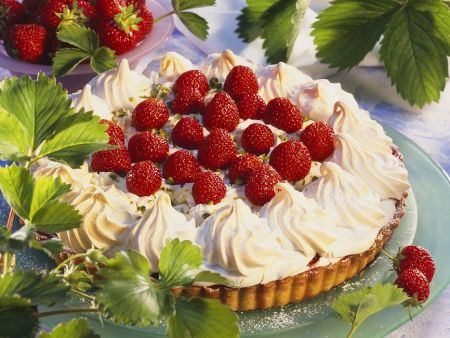 Erdbeer-Baiser-Tarte