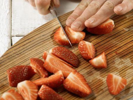 Erdbeer-Melonen-Salat: Zubereitungsschritt 2