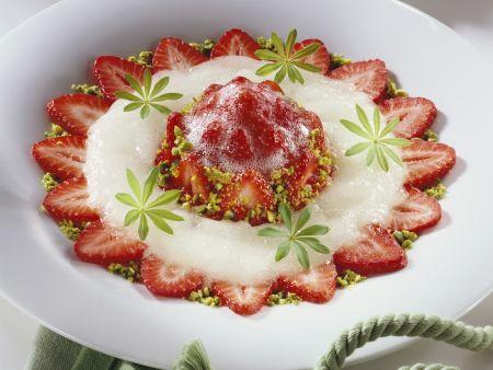 Erdbeer-Prosecco-Törtchen mit Waldmeister-Sorbet