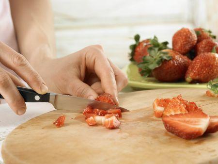 Erdbeer-Tiramisu-Rolle: Zubereitungsschritt 10