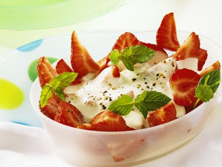 Erdbeeren mit Käsesauce