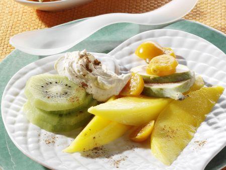 Exotische Früchte mit Frischkäsecreme