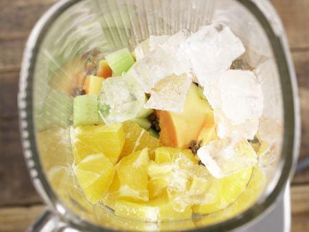 Exotischer Gurken-Drink: Zubereitungsschritt 4