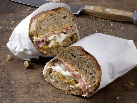 Exotisches Roastbeef-Sandwich
