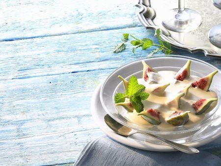 Feigen mit Joghurtcreme