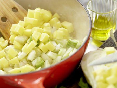 Feine Fenchelcremesuppe: Zubereitungsschritt 3