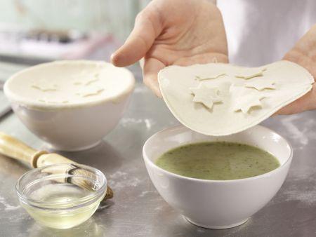 Feine Zucchinicremesuppe: Zubereitungsschritt 13