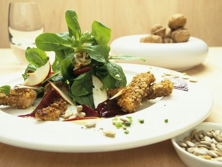 Feldsalat mit Rote Bete und knuspriger Pute