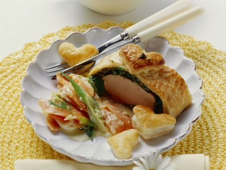 Filet im Kräuter-Blätterteig mit Karottengemüse