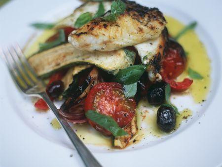 Fischfilet mit gebackenem Sommergemüse