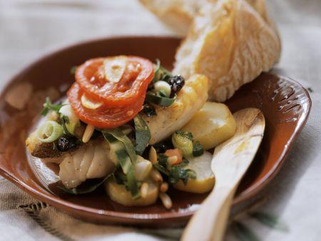 Fischfilet mit Mangold und Pinienkernen aus Mallorca