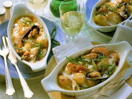 Fischgratin mit Lauchzwiebeln und Muscheln