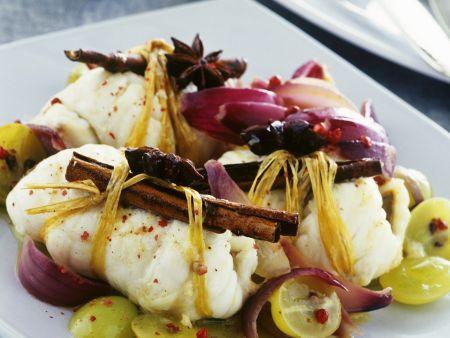 Fischrouladen mit Weintrauben