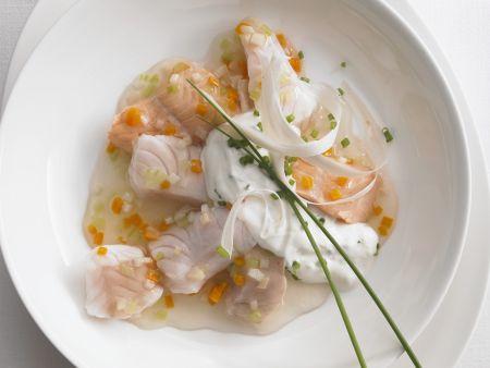 Fischsülze und Kräuter-Meerrettich-Creme