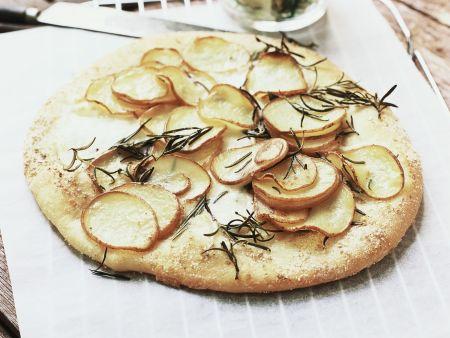 Fladenbrot mit Kartoffeln und Rosmarin