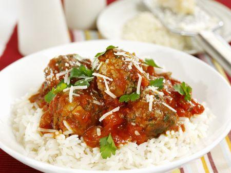 Fleischbällchen in Tomatensoße mit Reis