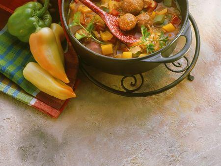 Fleischbällchen mit Paprikaragout