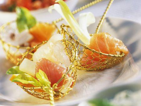 Fondue mit Gemüse und Fisch