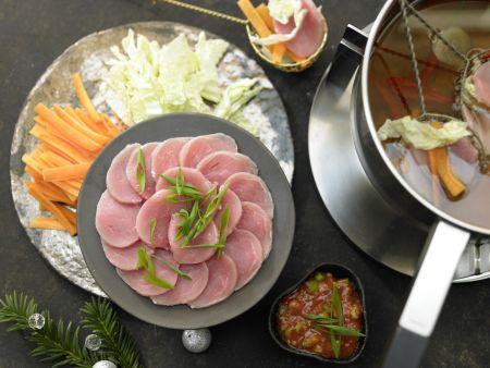 fondue mit schweinefilet rezept eat smarter. Black Bedroom Furniture Sets. Home Design Ideas