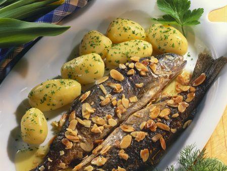 Forellen nach Müllerin-Art mit Kartoffeln