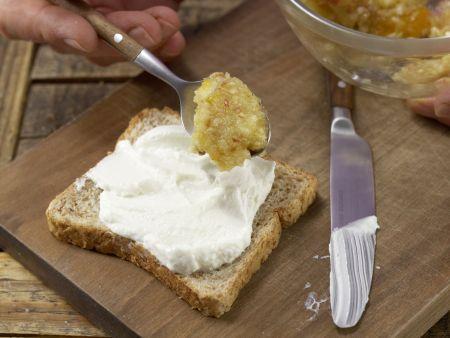 Frischer Obst-Toast mit Quark: Zubereitungsschritt 4
