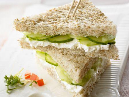 Frischkäse-Gurken-Sandwich