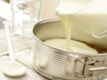 Frischkäse-Joghurt-Torte: Zubereitungsschritt 7