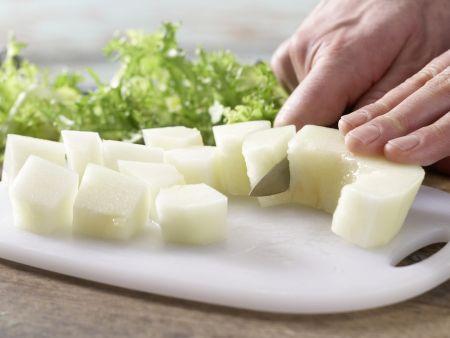 Frisée-Melonen-Salat: Zubereitungsschritt 4