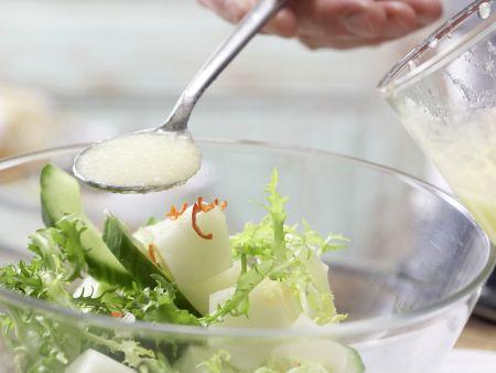Frisée-Melonen-Salat: Zubereitungsschritt 9