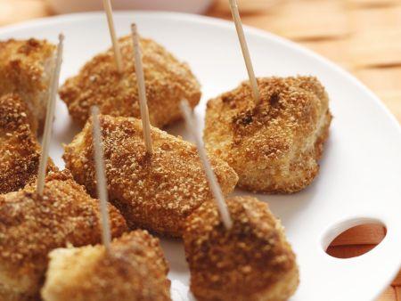 Frittierte Hähnchen-Nuggets mit scharfem Dip