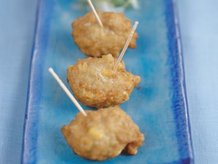 Frittierte Maisbällchen