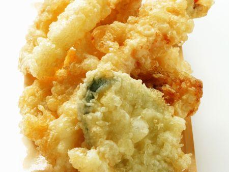 Frittierte Meeresfrüchte und Gemüse (Tempura)